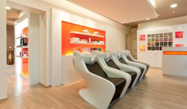 Accueil agencement salon de coiffure grenoble et france for Salon de coiffure grenoble